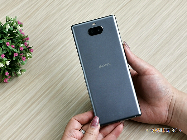 Sony Xperia 10 Plus 開箱 (俏媽咪玩 3C) (7).png