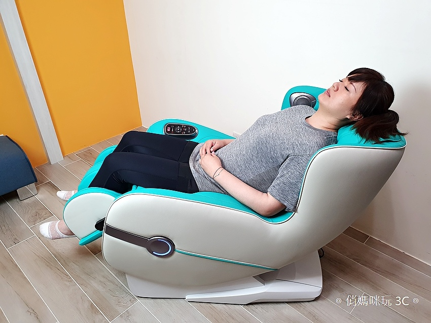 輝葉 HY-3067A Vsofa 沙發按摩椅體驗開箱 (俏媽咪玩 3C) (1).jpg