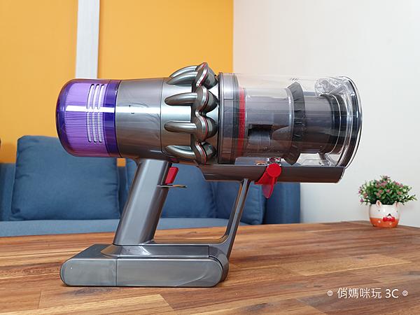 戴森 Dyson V11 Absolute+ 無線吸塵器開箱 (俏媽咪玩 3C) (22).png