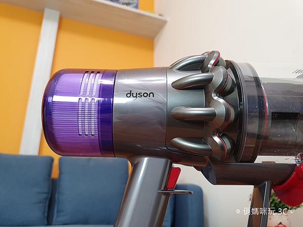 戴森 Dyson V11 Absolute+ 無線吸塵器開箱 (俏媽咪玩 3C) (23).png