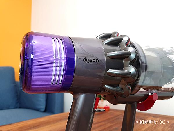 戴森 Dyson V11 Absolute+ 無線吸塵器開箱 (俏媽咪玩 3C) (24).png