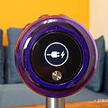 戴森 Dyson V11 Absolute+ 無線吸塵器開箱 (俏媽咪玩 3C) (25).png