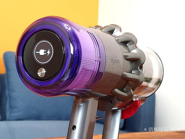 戴森 Dyson V11 Absolute+ 無線吸塵器開箱 (俏媽咪玩 3C) (26).png