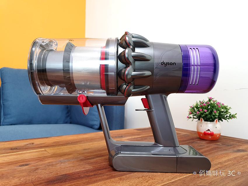 戴森 Dyson V11 Absolute+ 無線吸塵器開箱 (俏媽咪玩 3C) (29).png