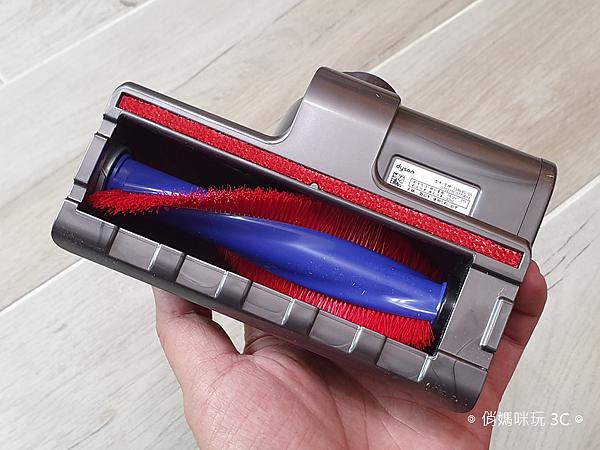 戴森 Dyson V11 Absolute+ 無線吸塵器開箱 (俏媽咪玩 3C) (14).png