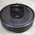 iRobot Roomba i7+ 掃地機器人開箱 (俏媽咪玩 3C) (6).png