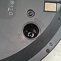 iRobot Roomba i7+ 掃地機器人開箱 (俏媽咪玩 3C) (20).png
