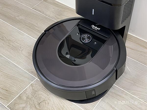 iRobot Roomba i7+ 掃地機器人開箱 (俏媽咪玩 3C) (33).png