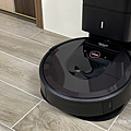 iRobot Roomba i7+ 掃地機器人開箱 (俏媽咪玩 3C) (36).png