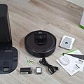 iRobot Roomba i7+ 掃地機器人開箱 (俏媽咪玩 3C) (2).png