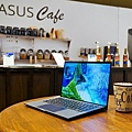 ASUS CES 2020 新品展示間 - Business Cafe.jpg