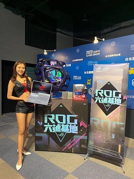 ROG玩家共和國精銳盡出,將於現場展出多項話題產品,包含搭載世界最快300Hz顯示螢幕的ROG Zephyrus S西風之神電競筆電、ROG Phone II電競手機、甫於CES 2020發表的ROG Z11 ITX電競機殼,以及像是酷炫外型主機「蛹」和多款DIY水冷改裝主機。.jpg
