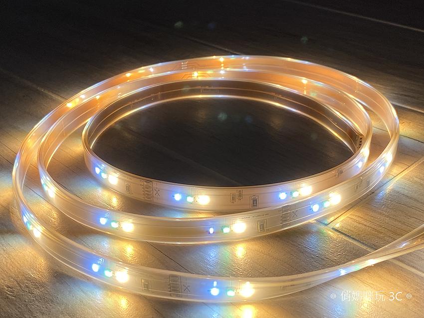 飛利浦 Hue 智慧燈泡、Hue Go 以及 Hue 燈帶開箱 (俏媽咪玩 3C) (7).png
