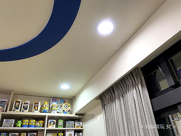 飛利浦 Hue 智慧燈泡、Hue Go 以及 Hue 燈帶開箱 (俏媽咪玩 3C) (29).png