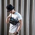 ROG正反兩用漁夫帽與ROG斜垮包讓日常生活也能信仰滿點。.jpg