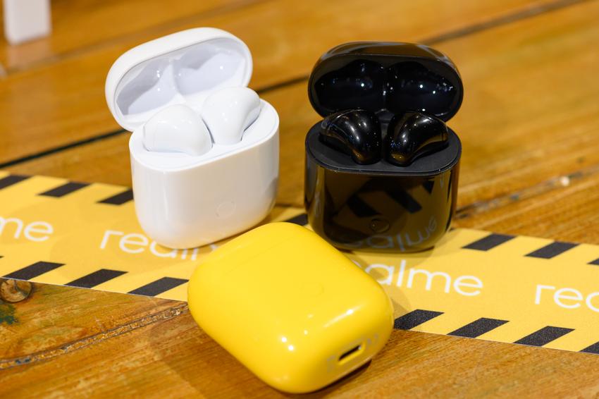 _realme Buds Air真無線藍牙耳機,提供白 _ 黃 _ 黑潮玩三色_2.png