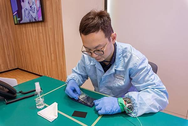 vivo領先業界首創指定機型可於保固內免費更換原廠保護貼和原廠保護殼。.jpg