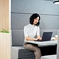 世界最輕的14吋商用筆電ASUS ExpertBook B9提供絕佳行動辦公能力,為商務與專業人士的筆電首選。.jpg