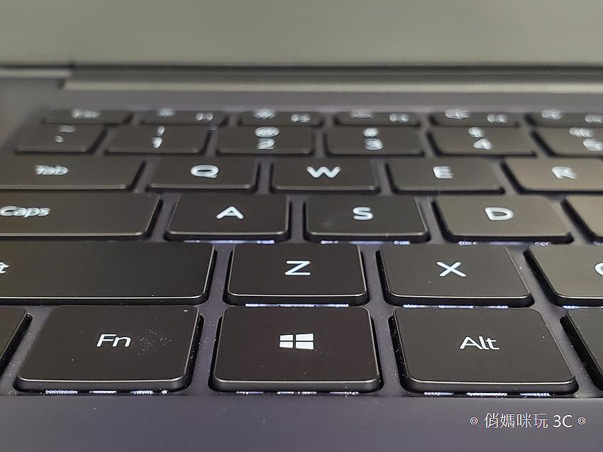 HUAWEI MateBook D14D15 筆記型電腦開箱 (俏媽咪) (22).png