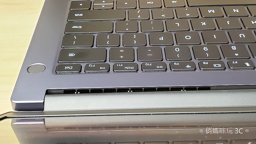 HUAWEI MateBook D14D15 筆記型電腦開箱 (俏媽咪) (23).png