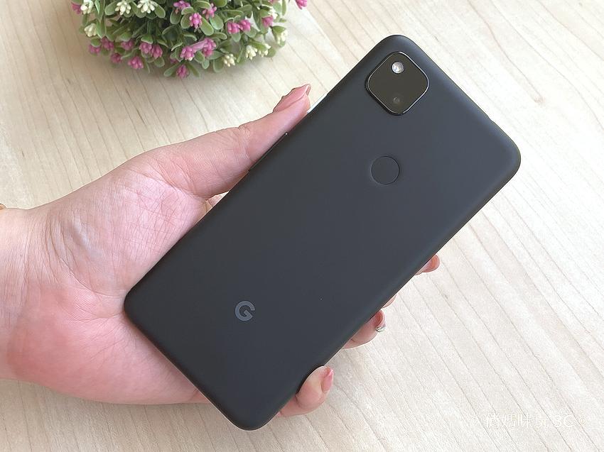Google Pixel 4a 開箱(俏媽咪玩3C) (8).png