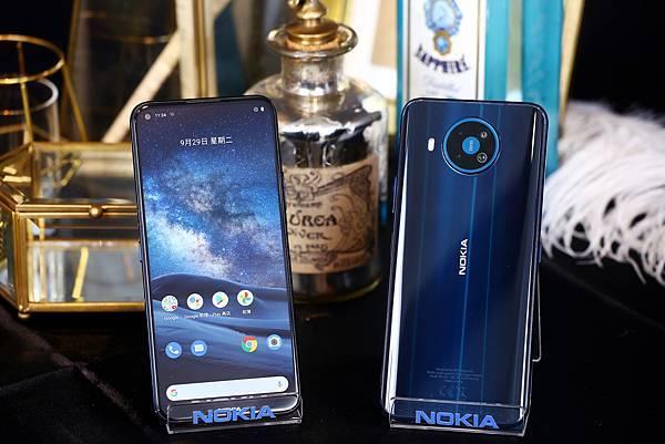 Nokia 8.3 5G 推出極夜藍,建議售價16990元。  (圖由HMD Global 提供).jpg