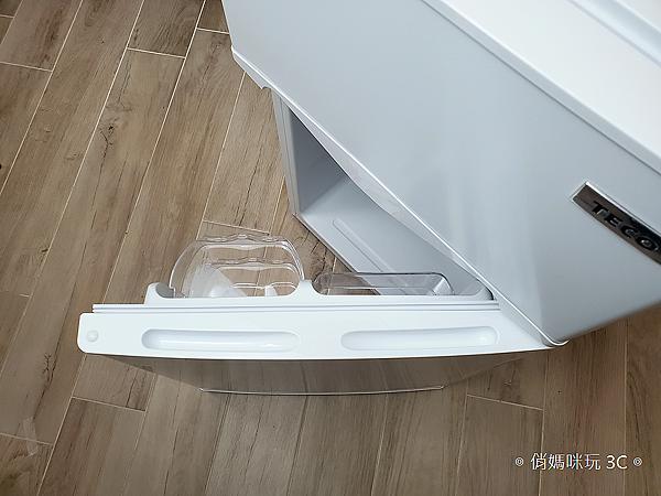東元 TECO 100 公升雙門冰箱  R1001W 開箱 (俏媽咪玩3C) (20).png