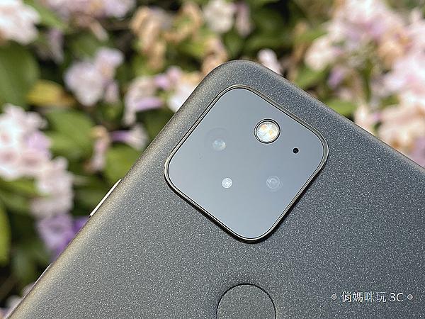 Google Pixel 5 開箱 (俏媽咪玩 3C) (39).png