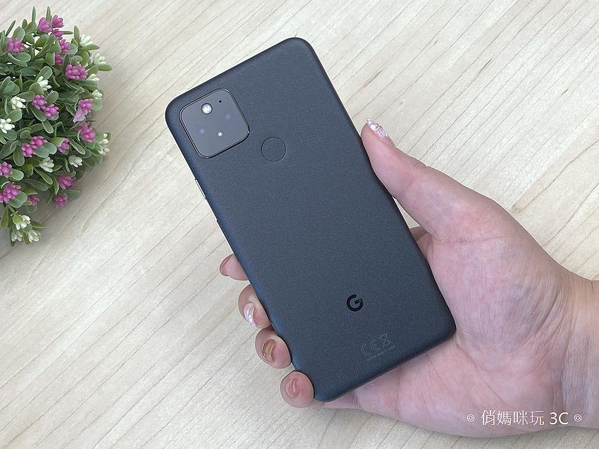 Google Pixel 5 開箱 (俏媽咪玩 3C) (4).png