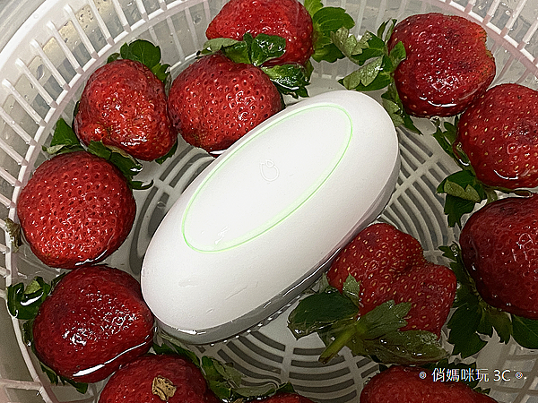 ASUS PureGO 蔬果洗淨偵測器開箱 (俏媽咪玩 3C) (29).png