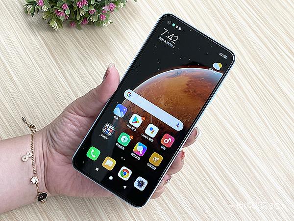Redmi Note 9 開箱 (俏媽咪玩 3C) (7).png