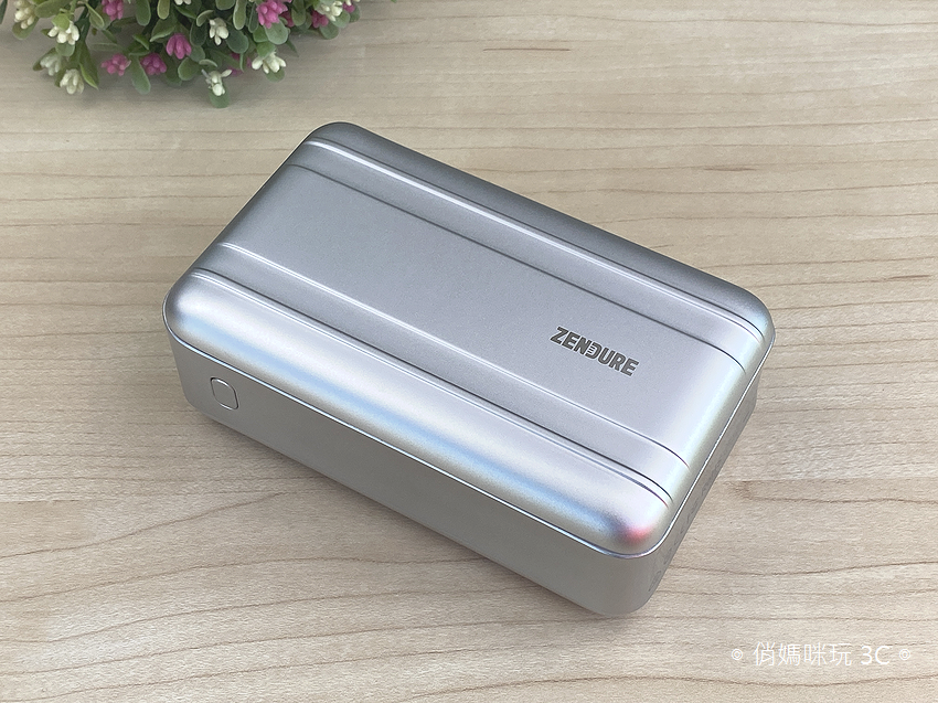 Zendure SuperTank Pro 行動電源開箱 (俏媽咪玩3C) (19).png