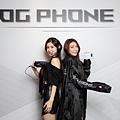3月底前購買ROG Phone 5,登錄送ROG Strix Go Type-c電競耳機;全台華碩專賣店贈限量ROG潮流雨衣。.jpg