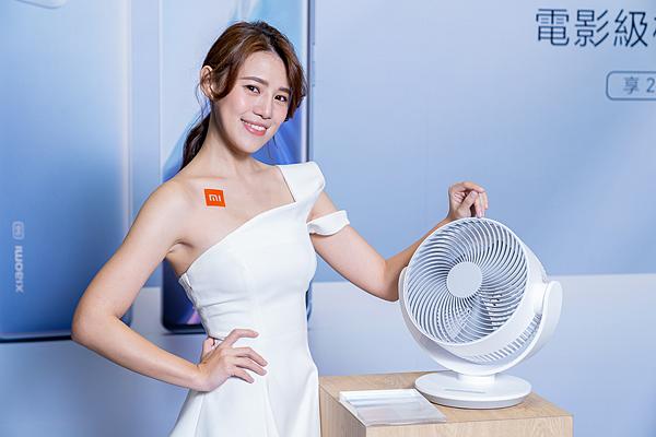 「米家智慧空氣循環扇」 可作為循環扇、風扇兩用,快速平衡室內溫濕度,全方位循環全屋空氣,為用戶打造零死角區的舒適環境.png