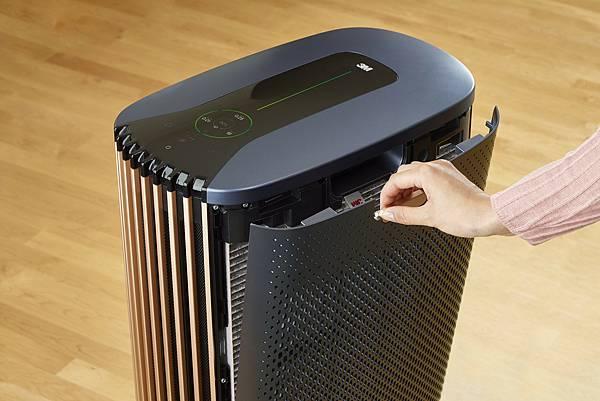 圖二:3M全淨型空氣清淨機( FA-V300 FA-V500),不僅能高效過濾甲醛、油煙、病毒,藉助濾網上的RFID晶片感應,更能因應實際使用習慣、使用環境即時顯示濾網消耗狀態。.jpg