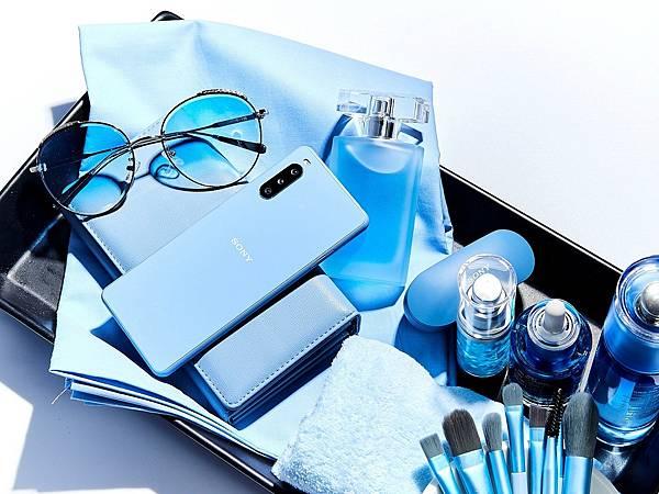圖說六、Xperia 10 III共有「水漾藍」、「水漾粉」、「水漾黑」、「水漾白」四色,參考建議售價NT$ 12,990元(1).jpg