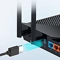 除了Giga WAN與4個Giga LAN之外,Archer AX55更配置了1個USB 3.0連接埠,擴充性十足!.jpg