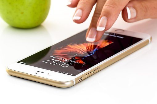 smartphone-1894723__340.jpg
