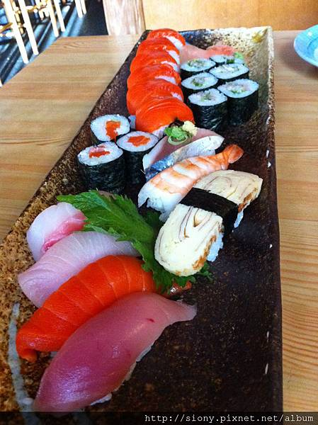 Taka Japanese Sushi And Thai Food Restaurant Windsor On