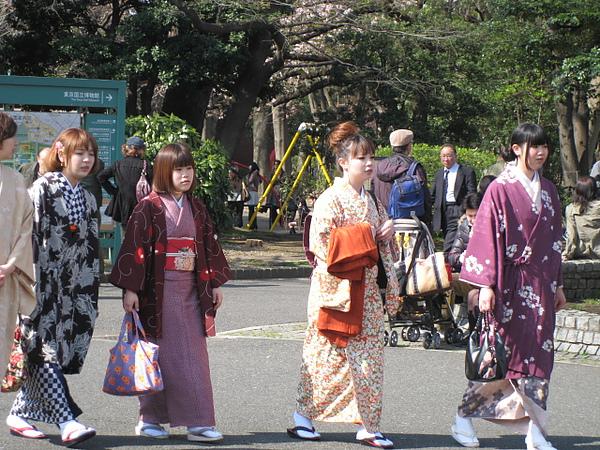 日本和服真該買一套穿一下