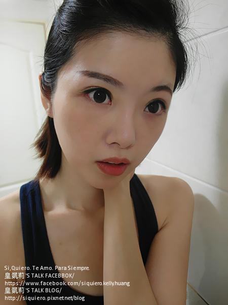 SAM_6008_閃炫抗暈眼線霜筆7星燦金+炫彩霓虹唇頰霜4珊瑚紅.jpg