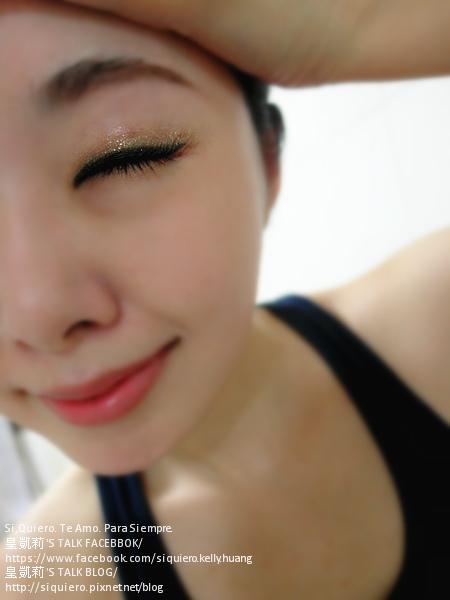 SAM_5964_閃炫抗暈眼線霜筆7星燦金+炫彩霓虹唇頰霜4珊瑚紅.jpg