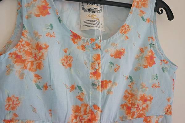全新PAZZO橘花藍底小洋裝 全新PAZZO橘花藍底小洋裝 賣350