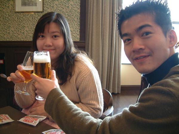 在SAPPORO喝啤酒