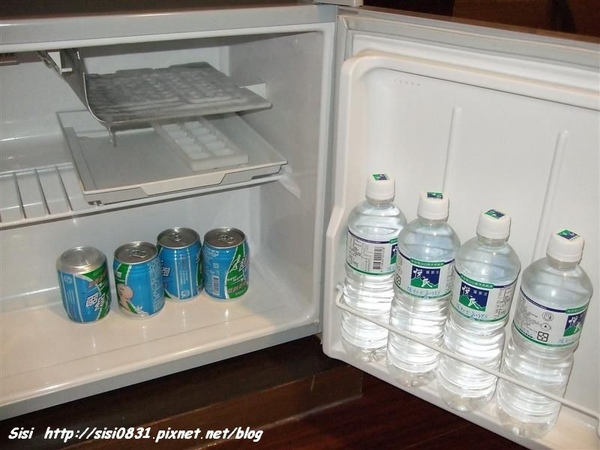 冰箱中還有免費滴運動飲料唷~