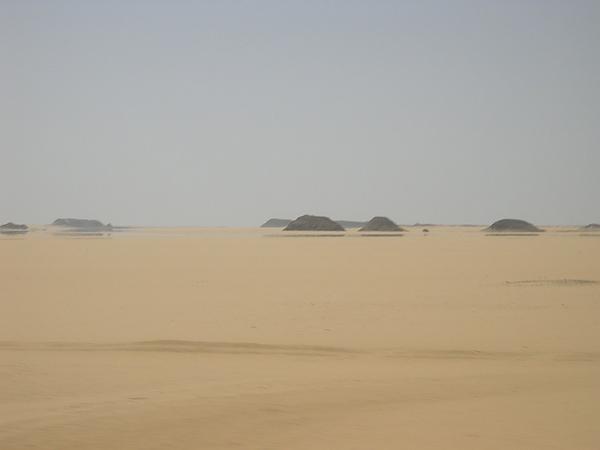 乾燥荒蕪的沙漠奇景~如似幻境的海市蜃樓奇景