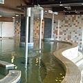 水療區~提供衝擊泉、按摩泉等各式水療設施及蒸氣室