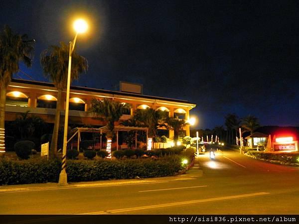 夜間~飯店外圍