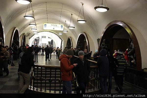 莫斯科地鐵 (42).jpg