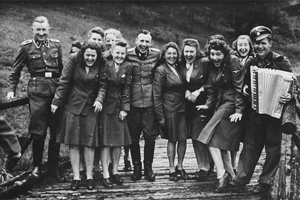 納粹成員.jpg